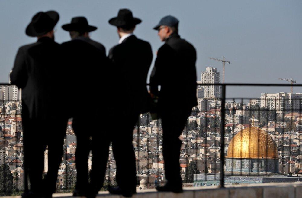 Iisraeli politsei vahistas kümneid naisi orjuses pidamises kahtlustatava rabi