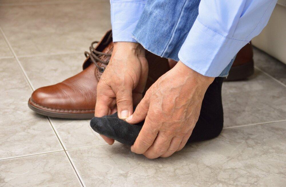 Mõnikord hakatakse labajalavaevuste korral abi otsima alles siis, kui kingad enam jalga ei mahu.