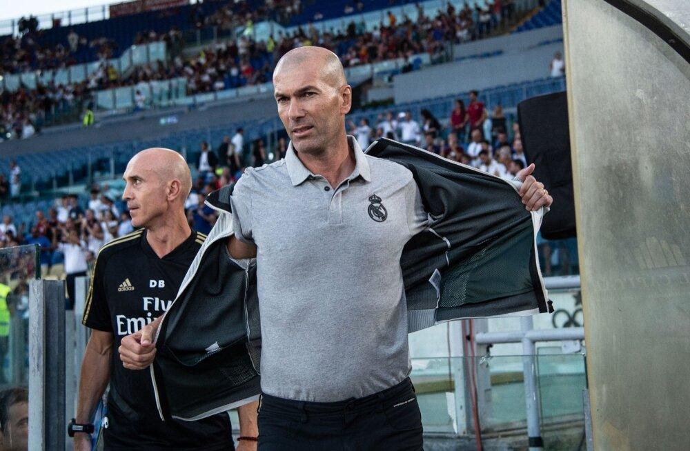 Kas Zinedine Zidane võib peagi teistkordselt Reali dressi varna riputada?