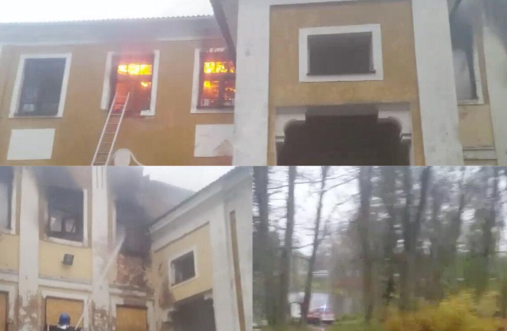 VIDEO   Väimela mõisahoone lahvatas leekidesse, väljakutsele reageeriti suurte jõududega