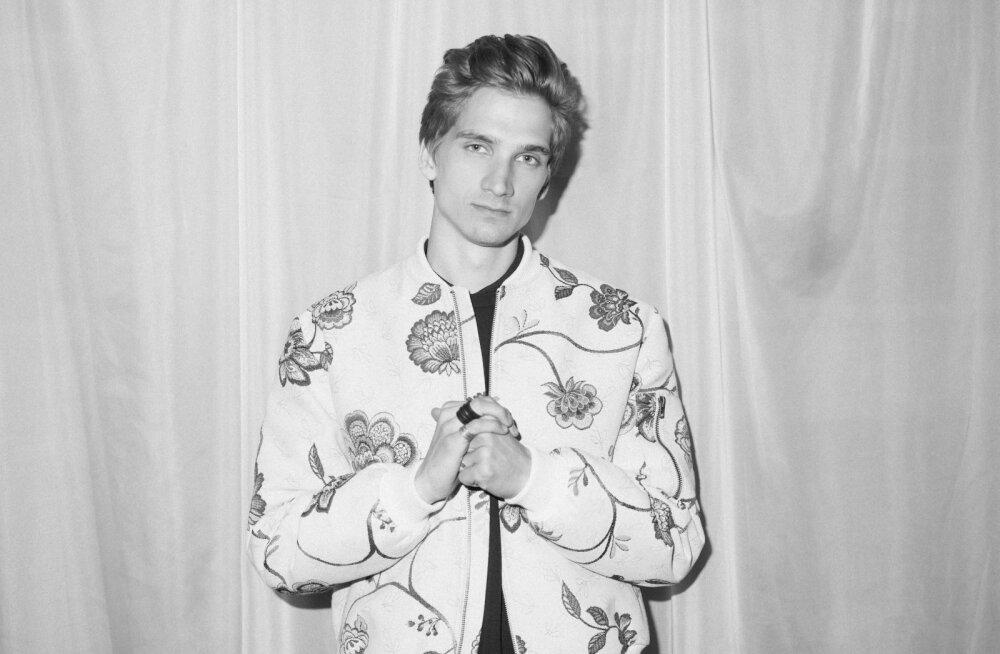 """Räppar Robert Lõvi avaldas debüütalbumilt esimese singli nimega """"Ainult udu"""""""