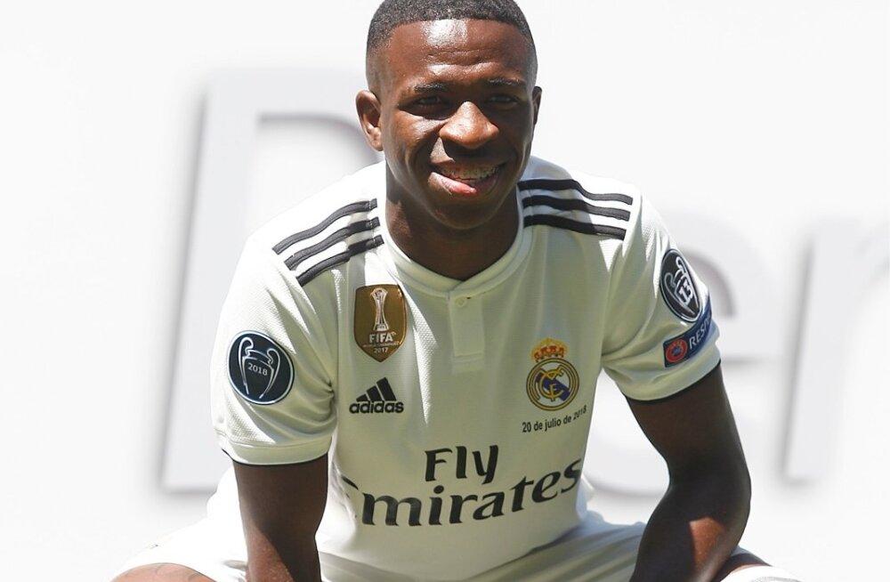 Vinicius Junior Madridi Reali särgis.