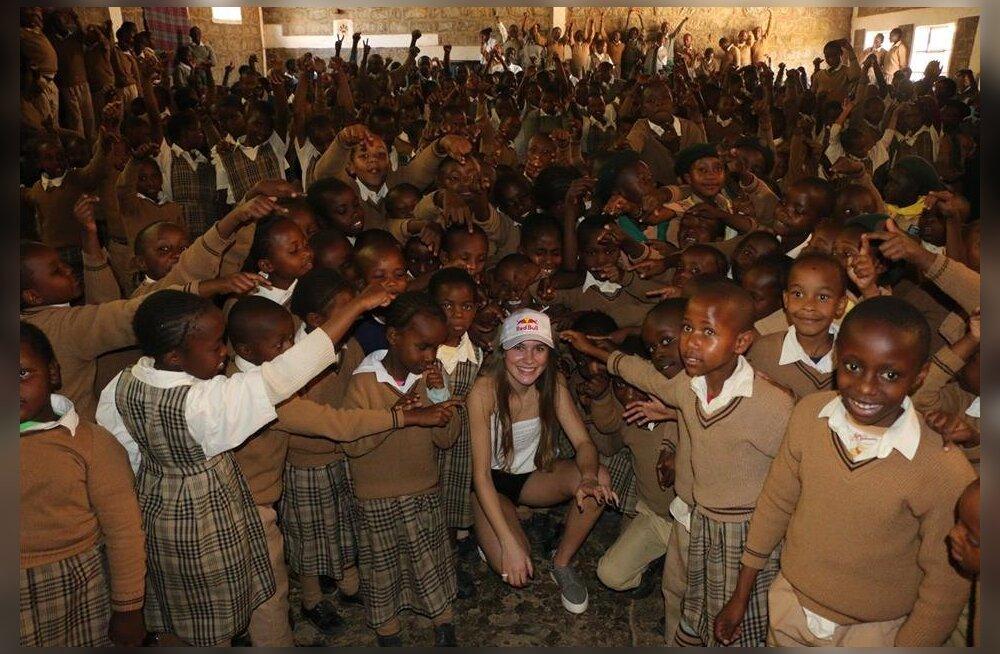 FOTOD | Kelly Sildaru käis Keenias koolilastega kohtumas
