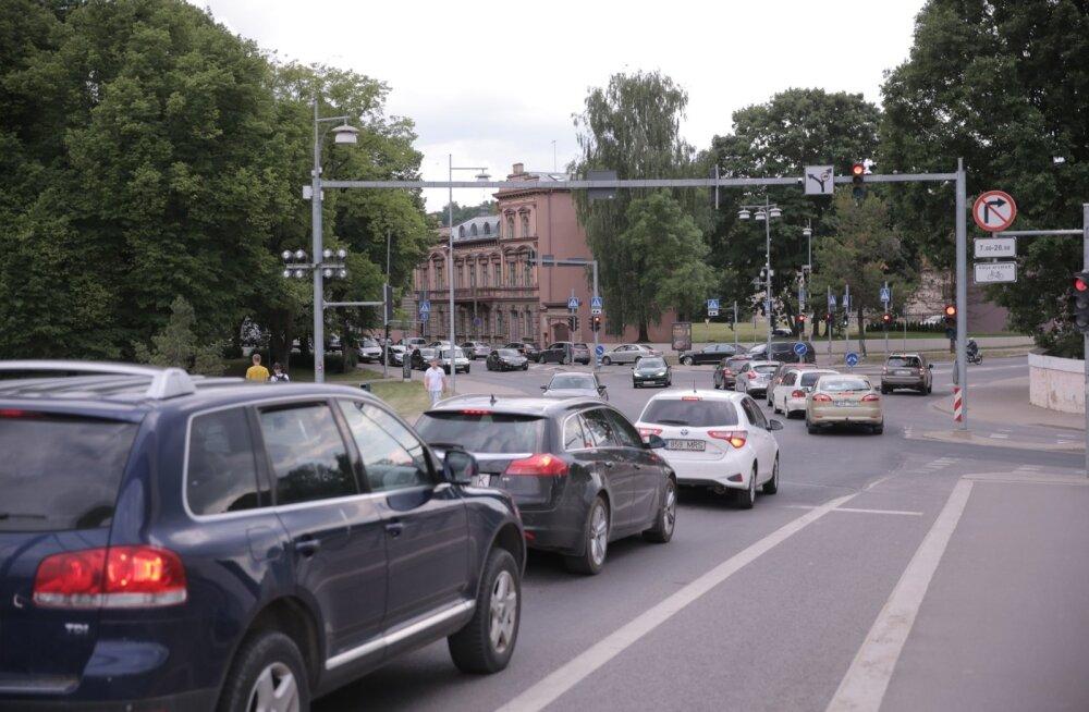 ГЛАВНОЕ ЗА ДЕНЬ: Инциденты на эстонских дорогах, лесной пожар и отмененный рейс Ryanair