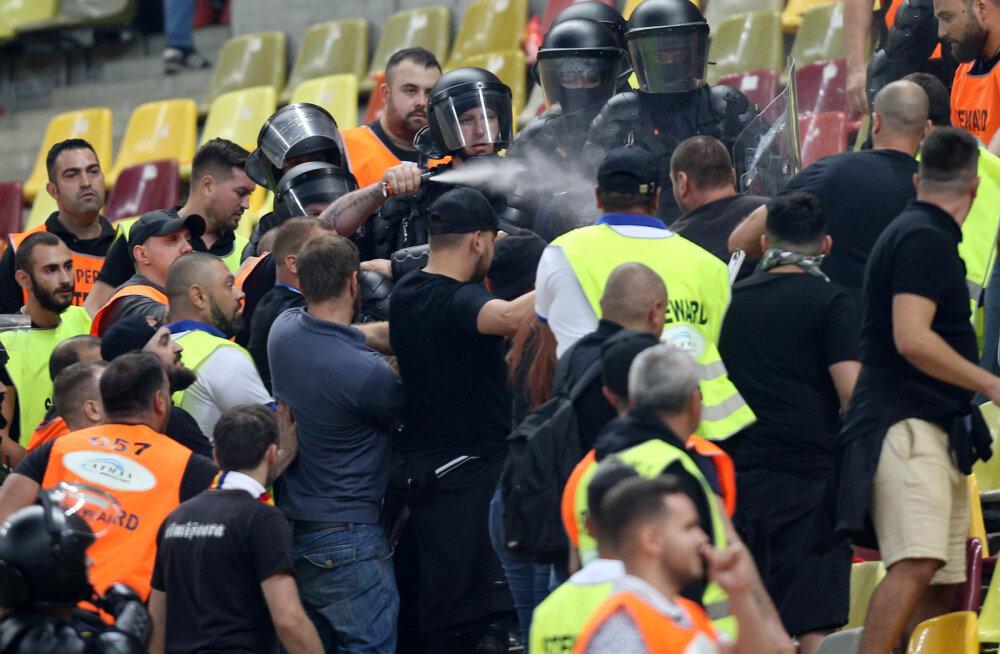 Politsei peab Rumeenia fänne korrale kutsuma