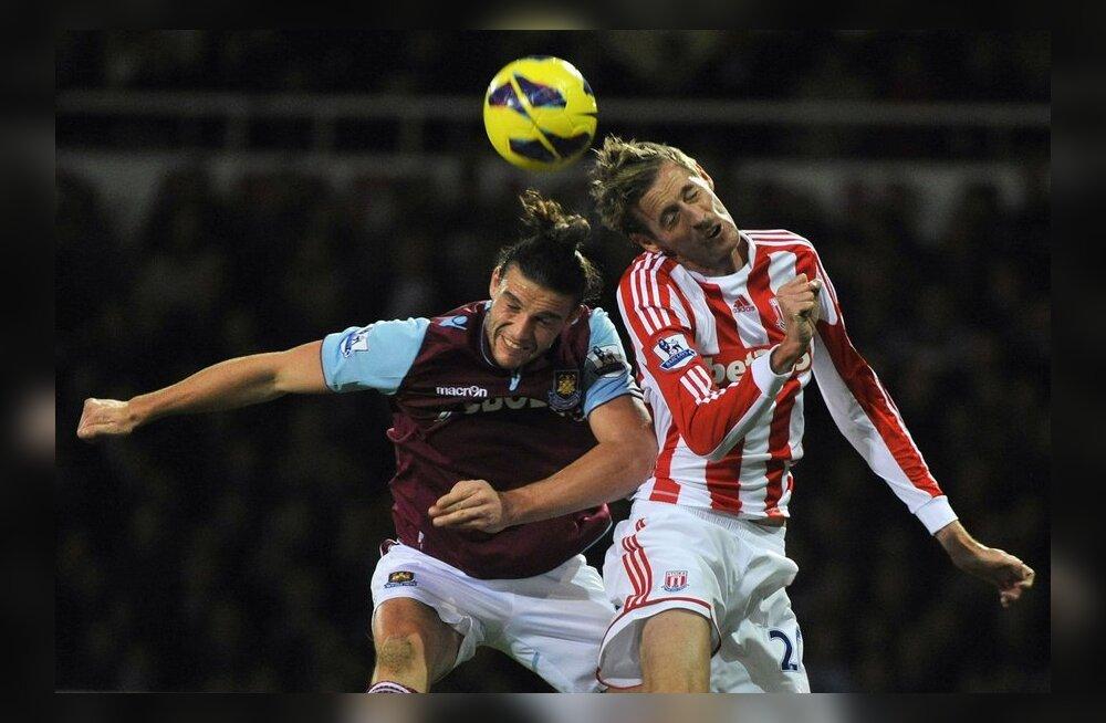 Liverpool saab Andy Carrolli tehinguga hiigelsuure kahjumi