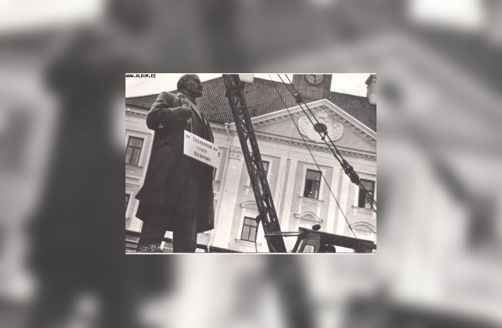 Lenini kuju Tartus võeti maha 23. augustil 1990. Album.ee
