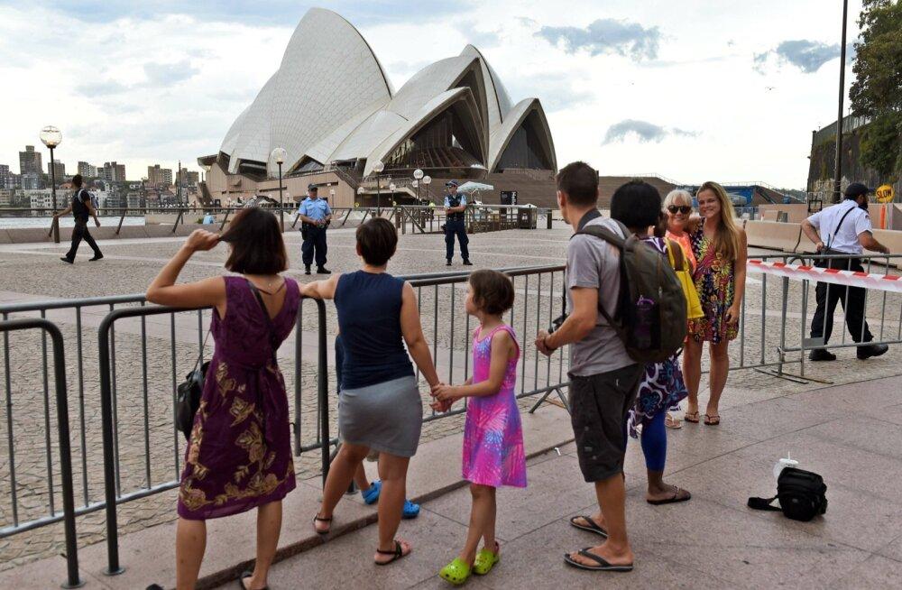 """Austraalia politsei korraldas """"ettevaatusabinõuna"""" operatsiooni Sydney ooperimaja juures"""