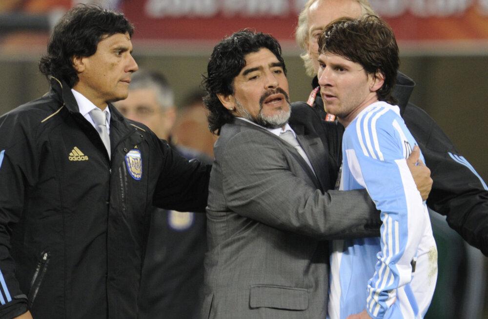 Diego Maradona ja Lionel Messi 2010. aasta MMil
