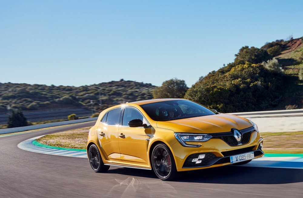 PROOVISÕIT | Ford Focus ST versus Renault Mégane R.S. Trophy