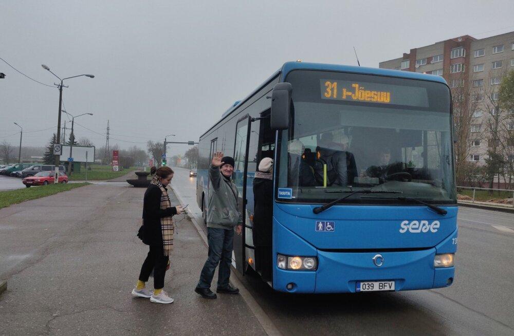 Коллапс на автобусной линии Нарва–Нарва-Йыэсуу заставляет местные власти задуматься о возможностях отказа от бесплатного транспорта