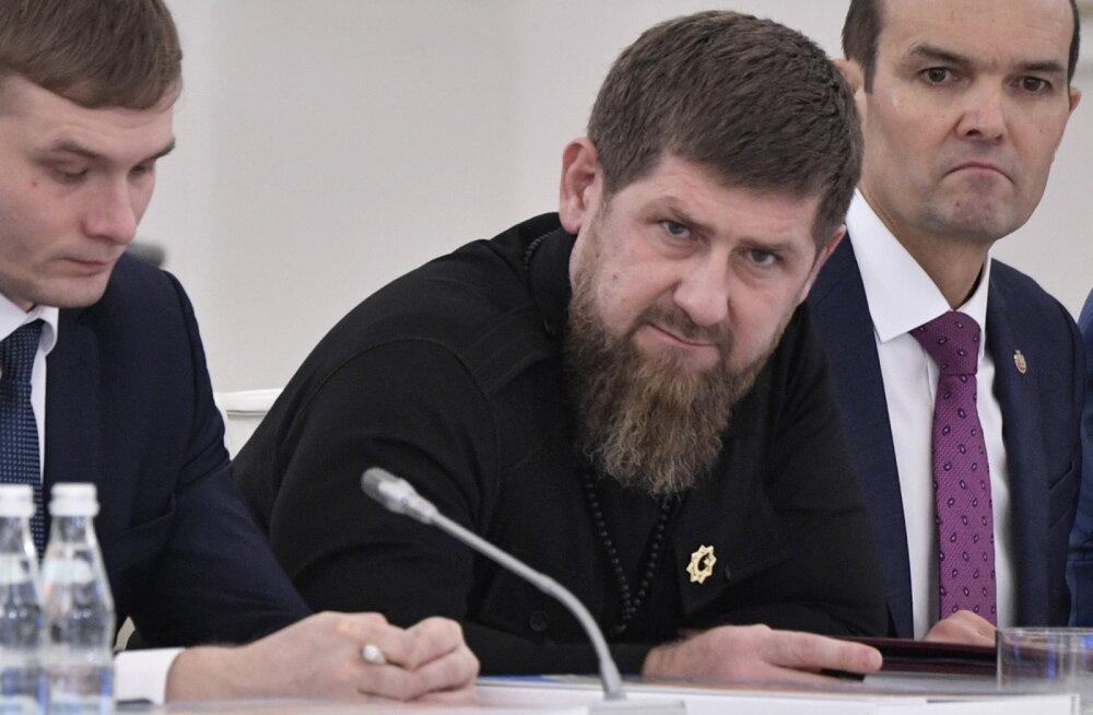 """Tšetšeenia juht Kadõrov andis """"ajutise töövõimetuse"""" ajaks volitused valitsusjuhile"""
