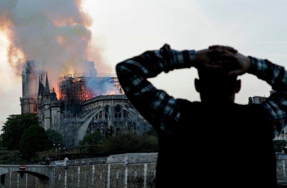 Notre Dame põleng
