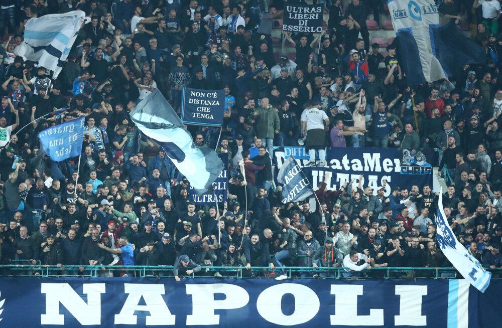 Napoli fänn sattus pärast Meistrite Liiga kohtumist Liverpooliga Inglismaal rünnaku ohvriks