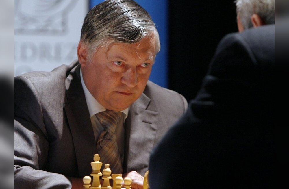 Malelegend Anatoli Karpov annab Tallinnas simultaani