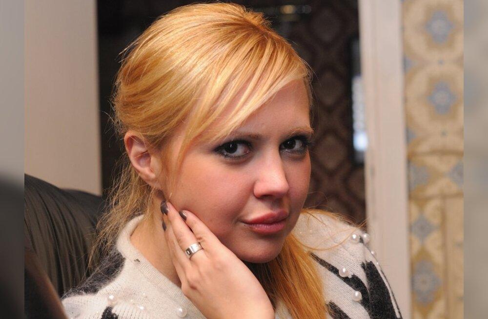 ПОСМОТРИ, с какими фирмами связана Анна-Мария Галоян