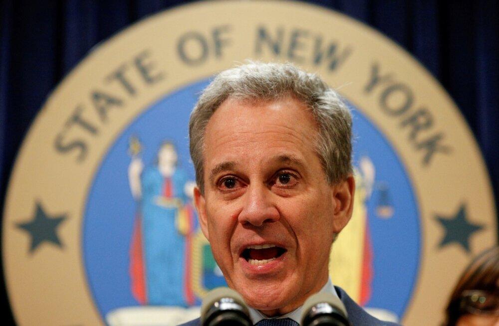 New Yorgi peaprokurör astus nelja naise kallal vägivallatsemise süüdistuste tõttu tagasi