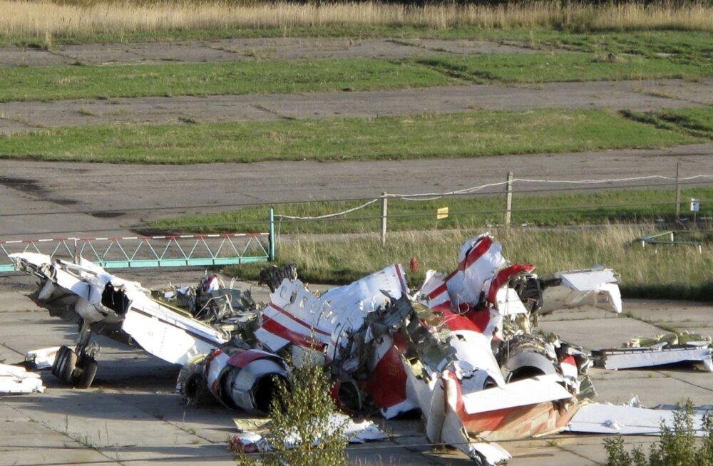 Poola presidendilennuki allakukkumist uuriv komisjon: plahvatus hävitas lennuki vasaku tiiva