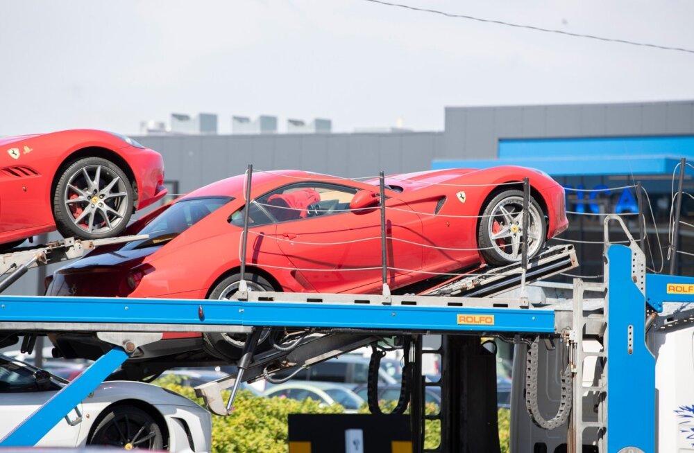 FOTOD | Miljonite väärtuses Ferrarisid tuhises mööda Tallinna ringi