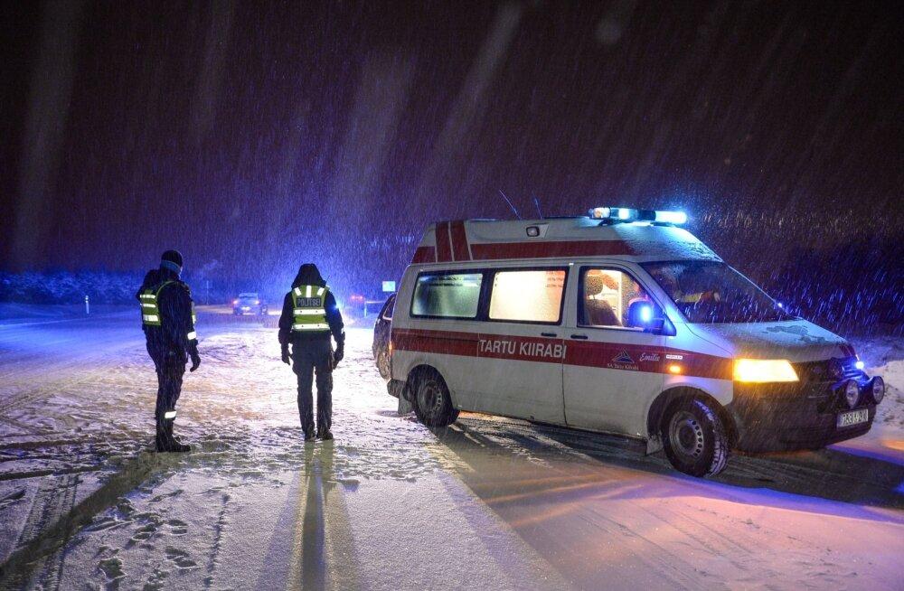 Ohtlik möödasõit viis Narva-Jõesuus kaks autojuhti haiglavoodisse