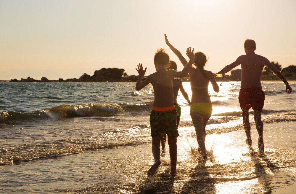 Исследование: почти половина европейцев до 35 лет путешествует с родителями
