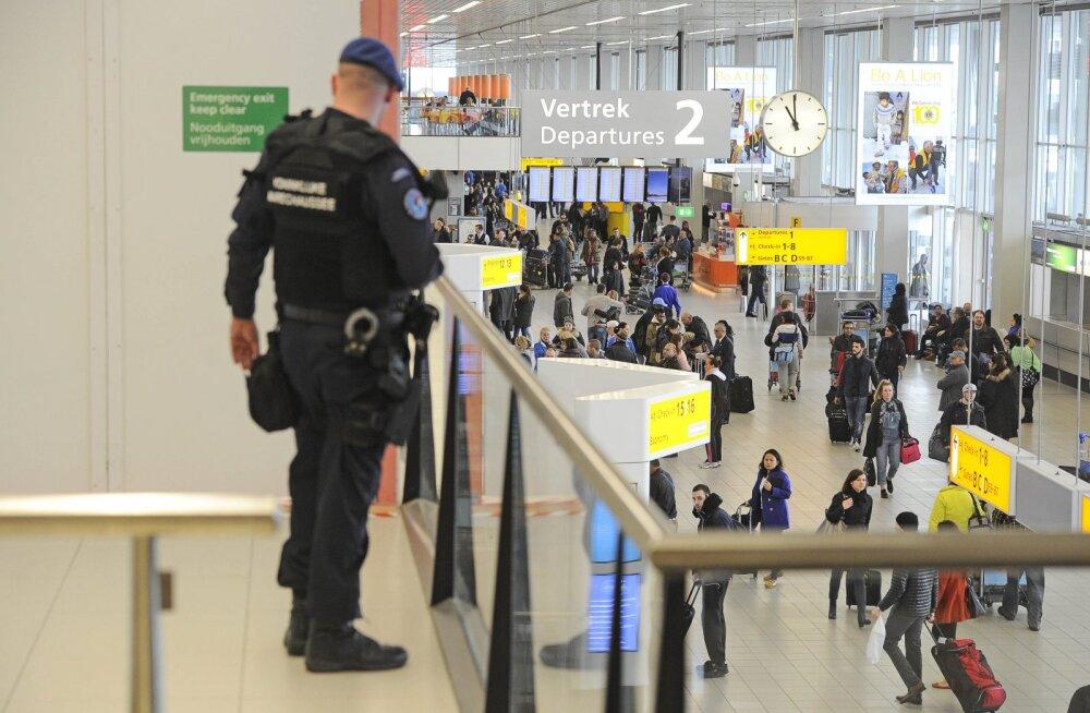 Hollandis peeti kinni Eesti võltspassidega Türgi pere