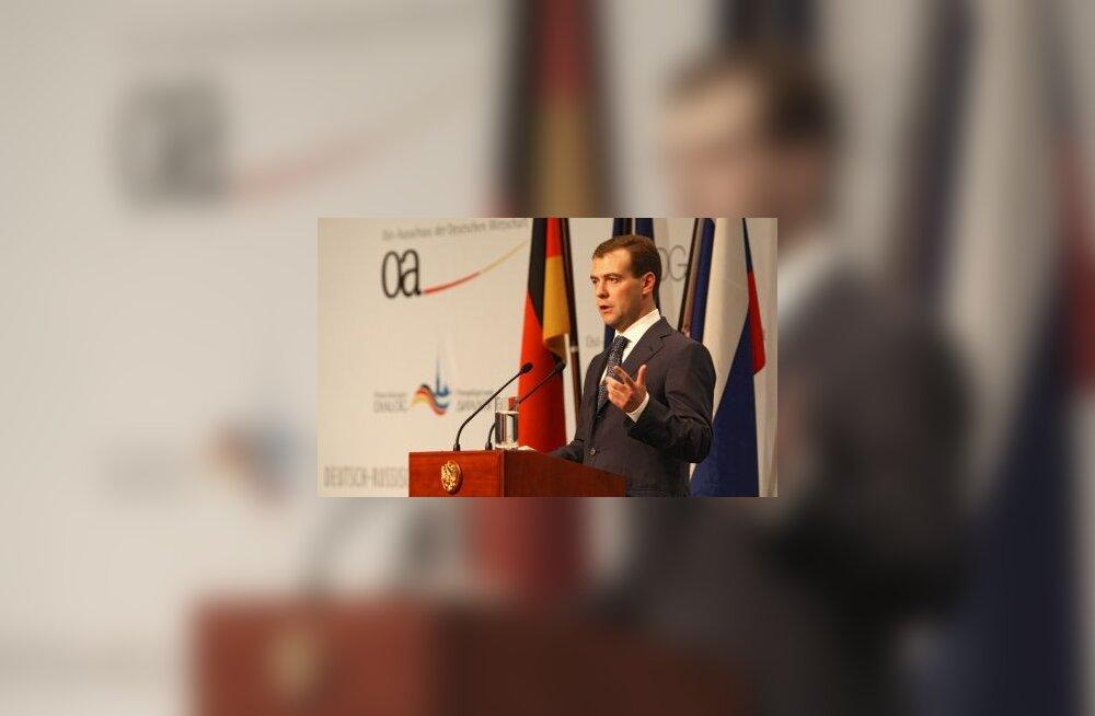 Medvedev tegi Berliinis energiaettepanekuid