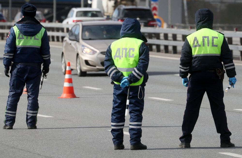 Venemaal sai 1358 inimest trahvi tänaval ringiuitamise eest