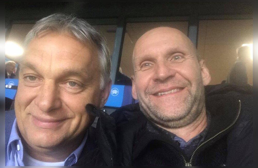 FOTO | Helir-Valdor Seeder poseeris jalgpallimängu eel Ungari peaministri Viktor Orbaniga