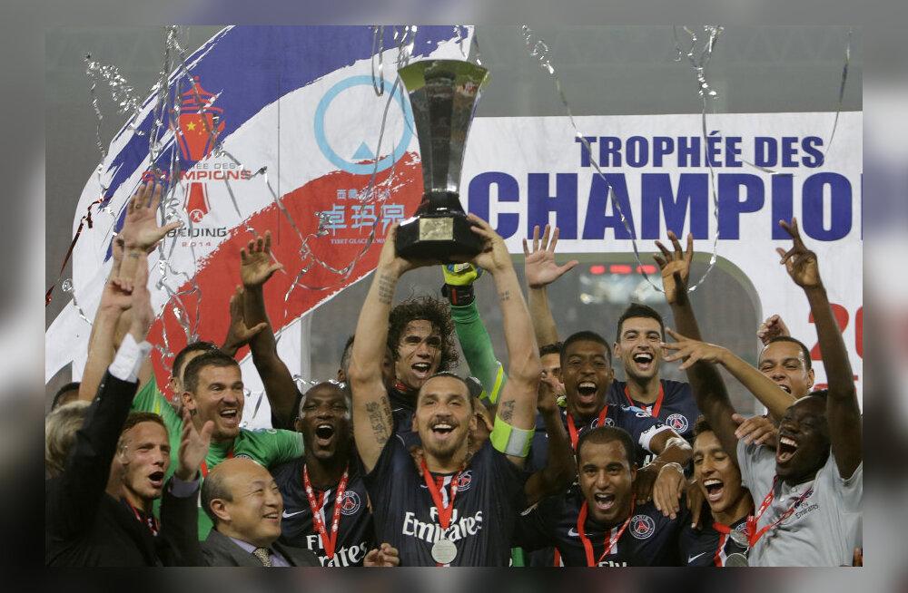 Ibrahimovic ja PSG mängijad rõõmustavad