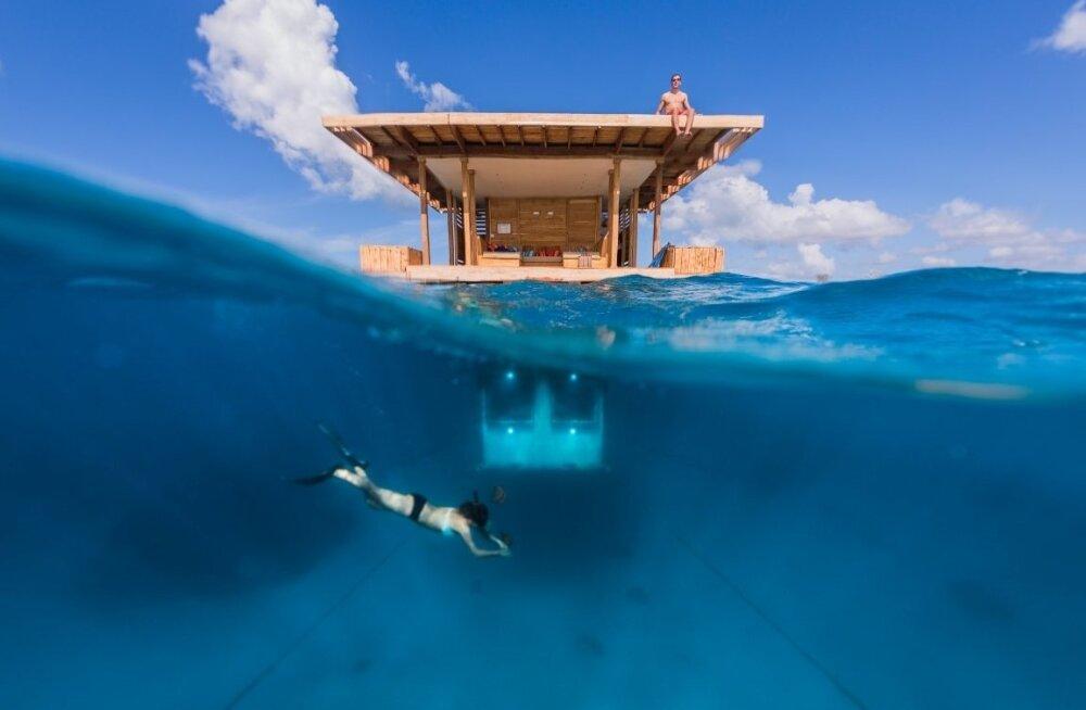 ФОТО: А вы бы сняли такой номер? Подводная гостиница в Индийском океане