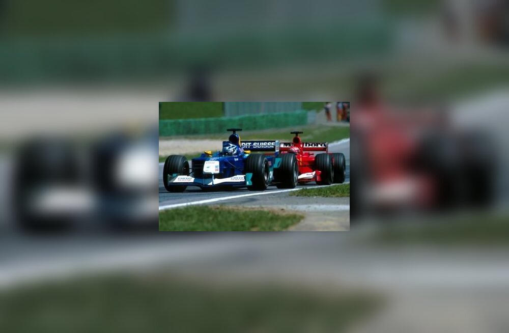 Räikkönen Schumacheri ees juhtimas