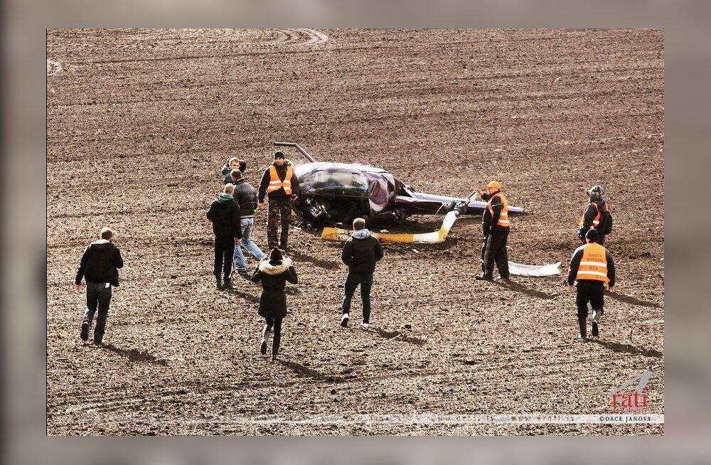 VIDEO JA FOTOD SÜNDMUSKOHALT | Liepaja ERC-rallil kukkus helikopter alla, üks inimene hukkus