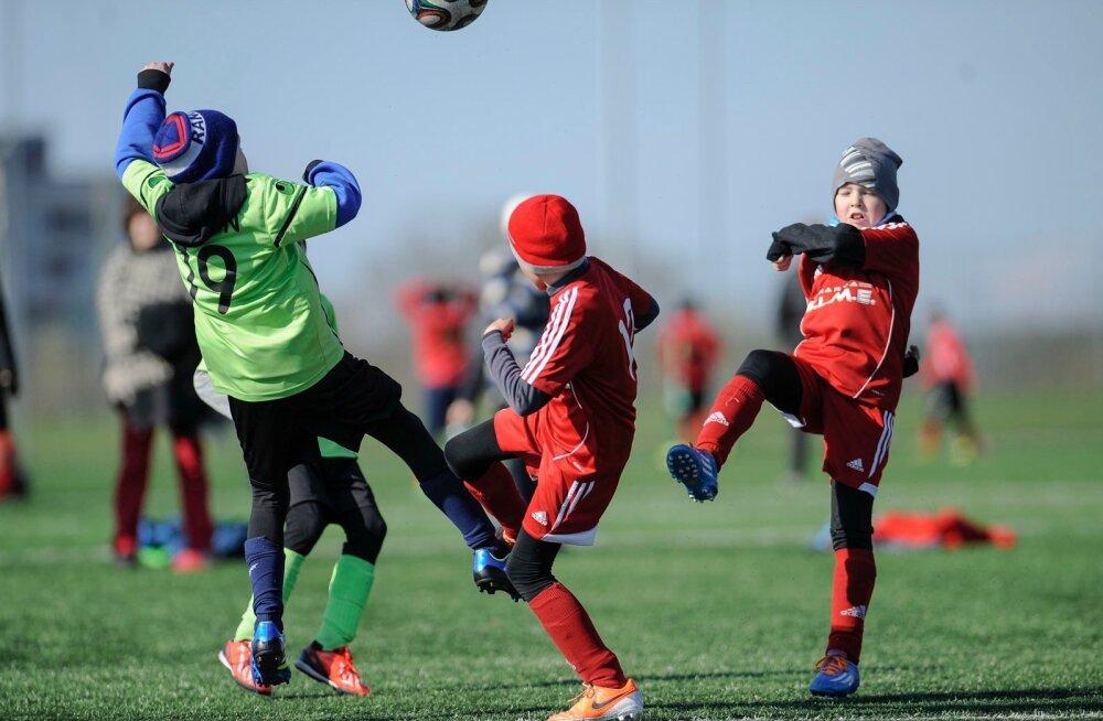 Laste jalgpall Narvas
