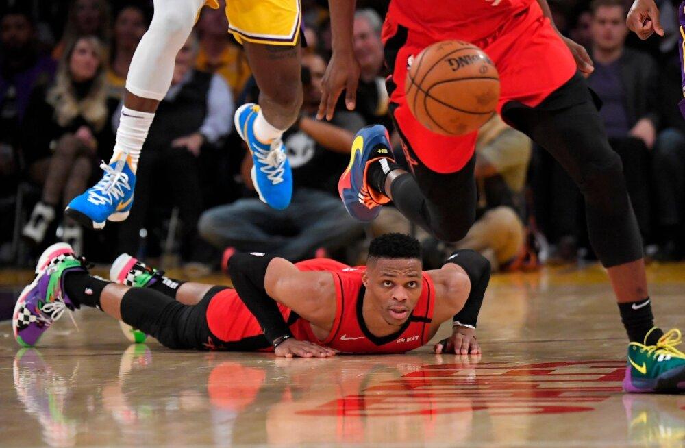 Kõik Houston Rocketsi mängijad pole päris nii lühikesed nagu lamav Russell Westbrook, aga peaaegu.