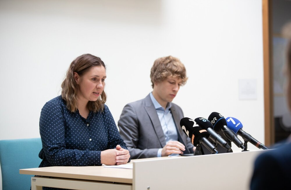 Mari-Anne Härma ja Tanel Kiik Terviseameti pressikonverentsil