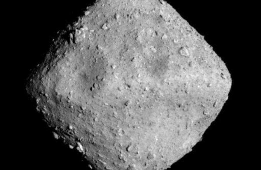 Hiinlased plaanivad kosmosest asteroide püüdma hakata, et neid Maale tuua