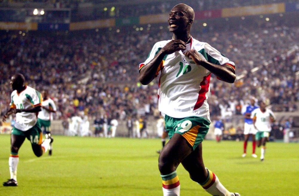 2002. aasta jalgpalli MM-i kangelane suri raske haiguse tõttu