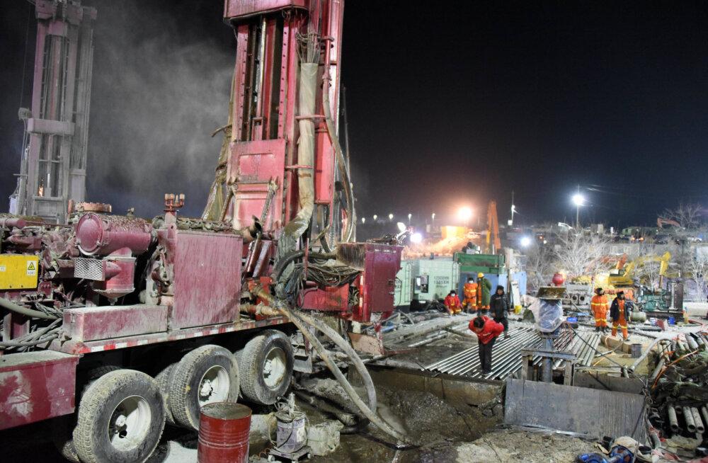 Hiinas saadi nädal pärast kaevandusplahvatust lõksu jäänud kaevuritelt sõnum