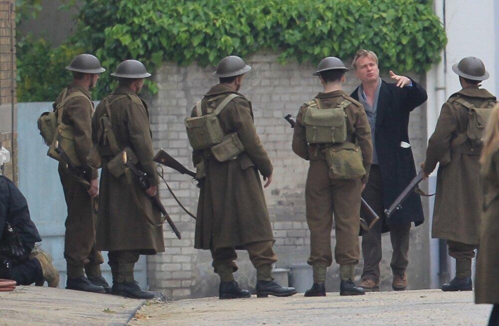 """Lavastaja Christopher Nolan sõjafilmi """"Dunkirk"""" võtetel"""