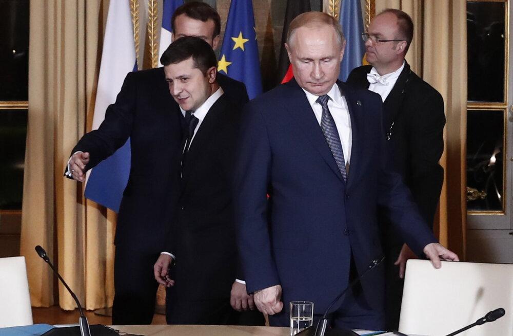 Зеленский и Путин обсудили новый обмен пленными. И поздравили друг друга с Новым годом