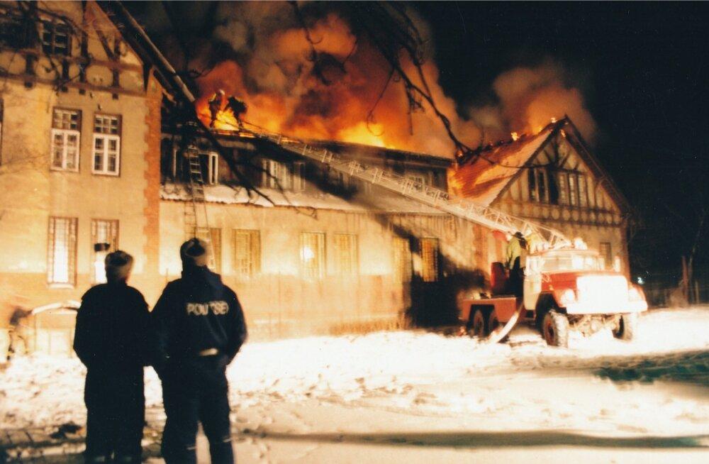 Pildil olev tulekahju on illustreeriv.