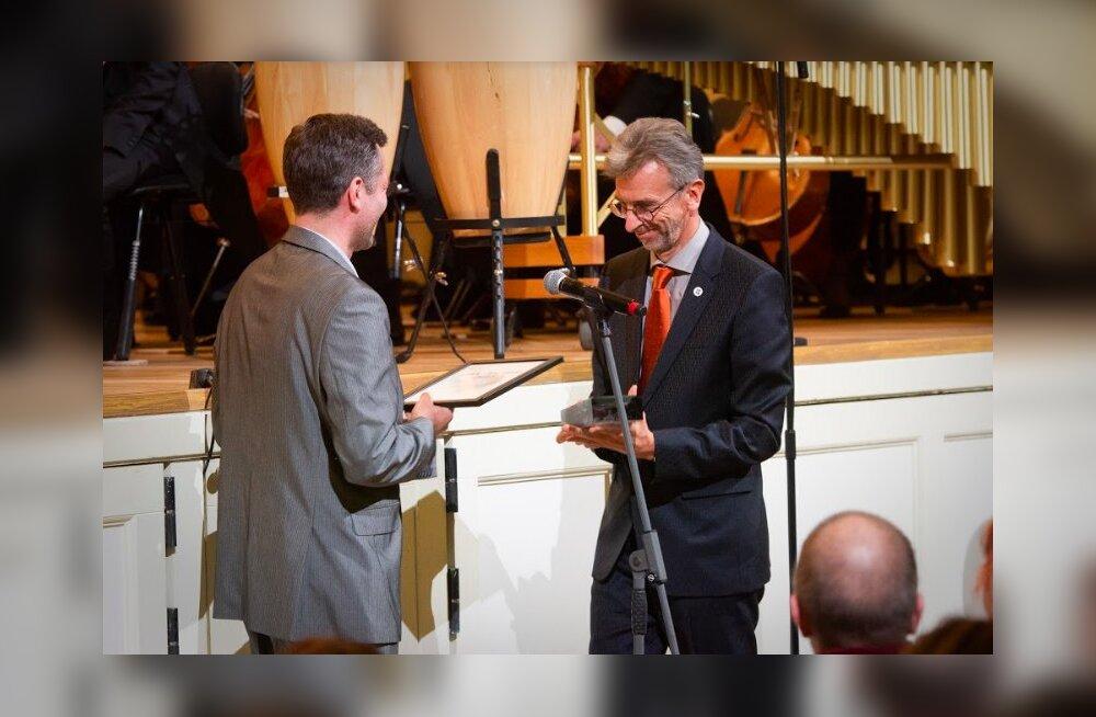 Tänavuse LHV Au-tasu nimelise parima uudisteose preemia pälvis Erkki-Sven Tüür