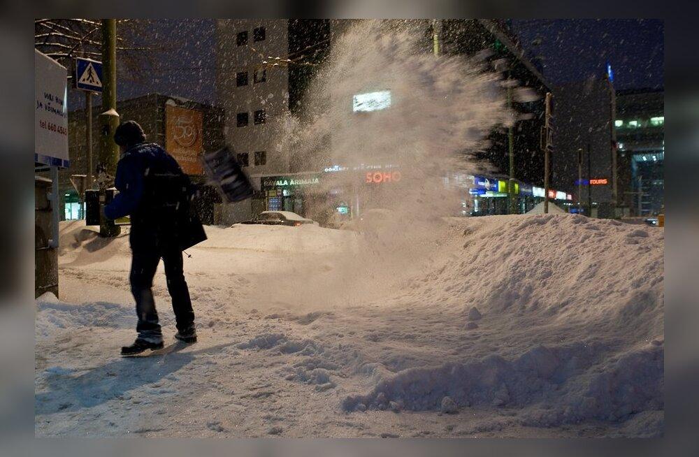 HÜVA NÕU: Kuidas kühveldada lund nii, et tervis alles jääks