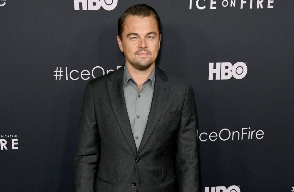 Leonardo DiCaprio sai võrkpalliga vastu vahtimist ja pildid sellest on internetis nüüd viraalsed!