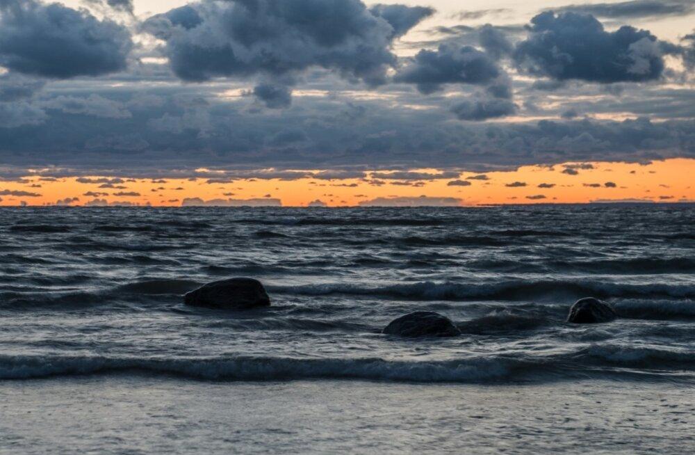 В Балтийском море разбился российский военный вертолет, погибли два летчика-испытателя