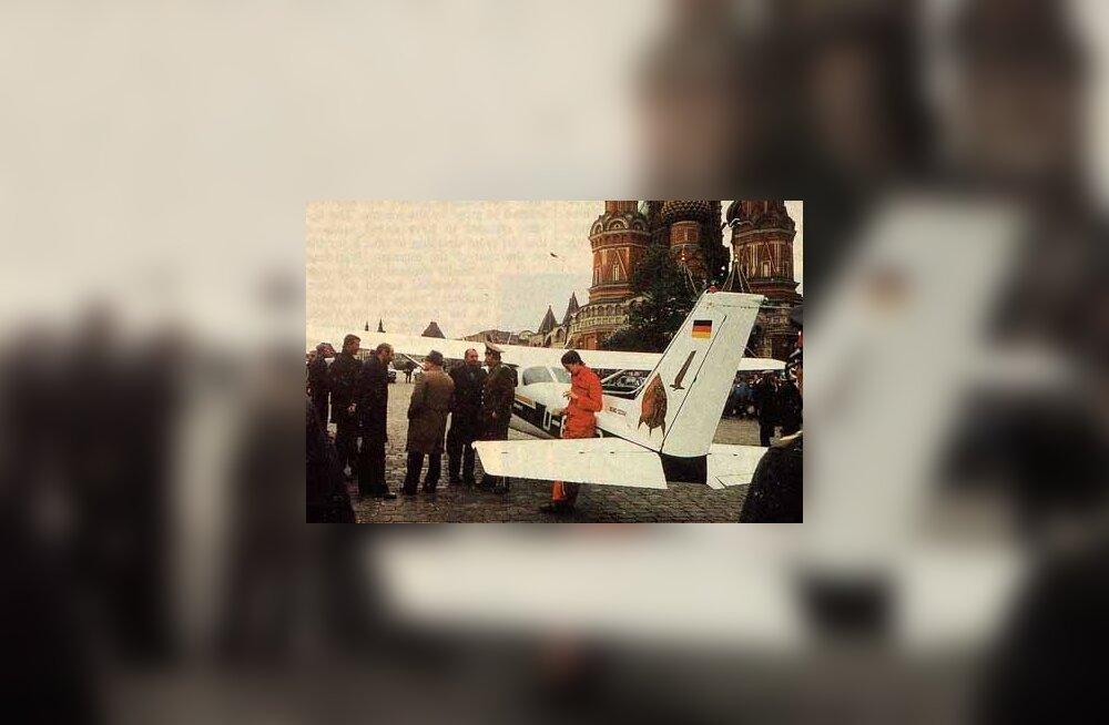 1987: Mathias Rust tõestas, et Moskva Punane väljak on lihtsalt lennuväli