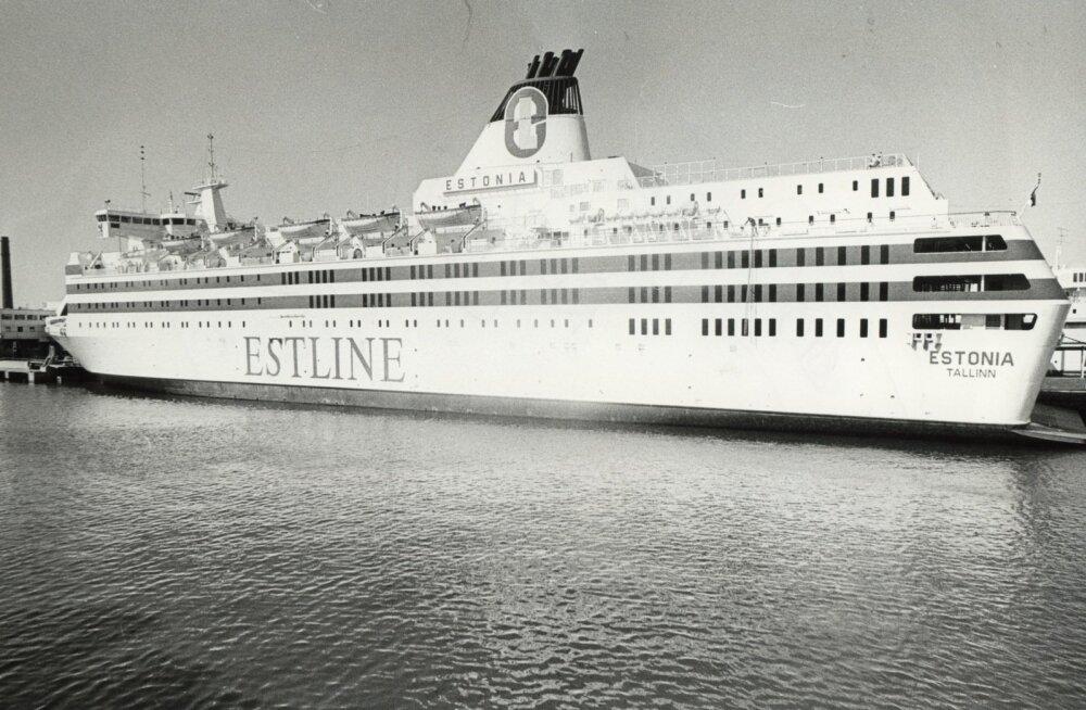 Eestlasest ellujäänu arvas pärast lööki vastu Estonia keret nägevat meres midagi valget liikumas