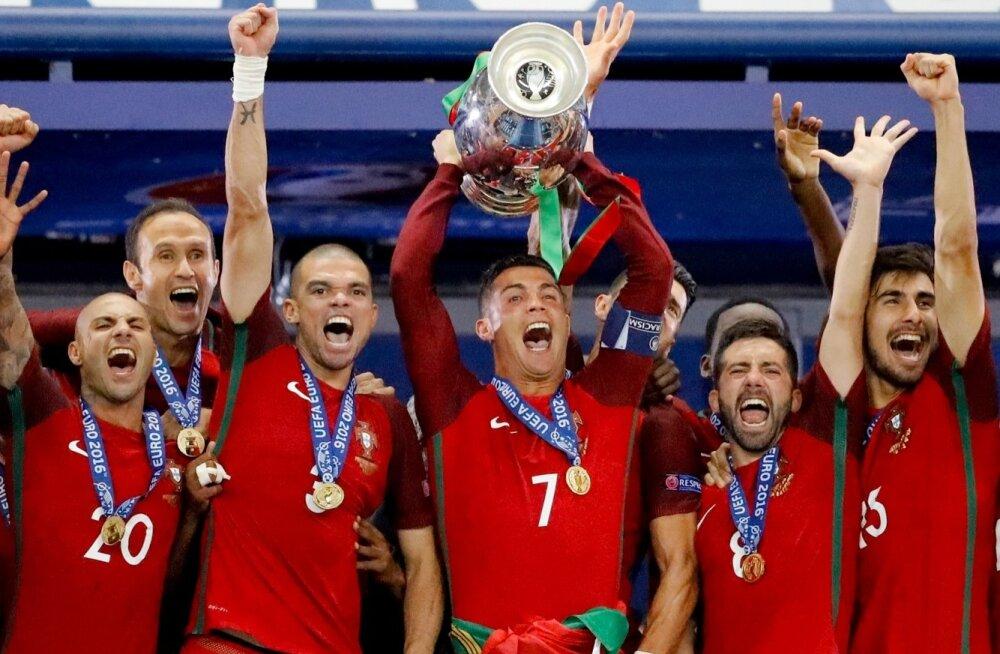 dc847079ca2 FOTOD: Ronaldo pisarad muutusid naeruks! Portugal alistas EMi ...