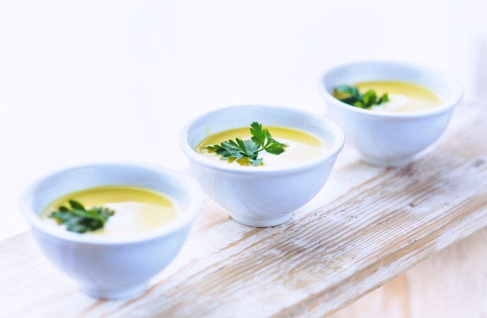 RETSEPT | Argipäevane kõhutäis: sametine köögivilja-juustusupp